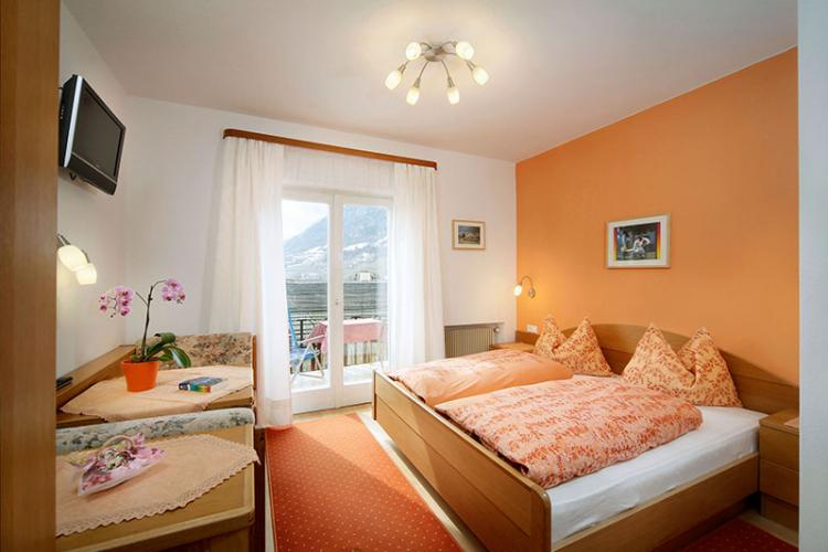 Orange double room with south balcony