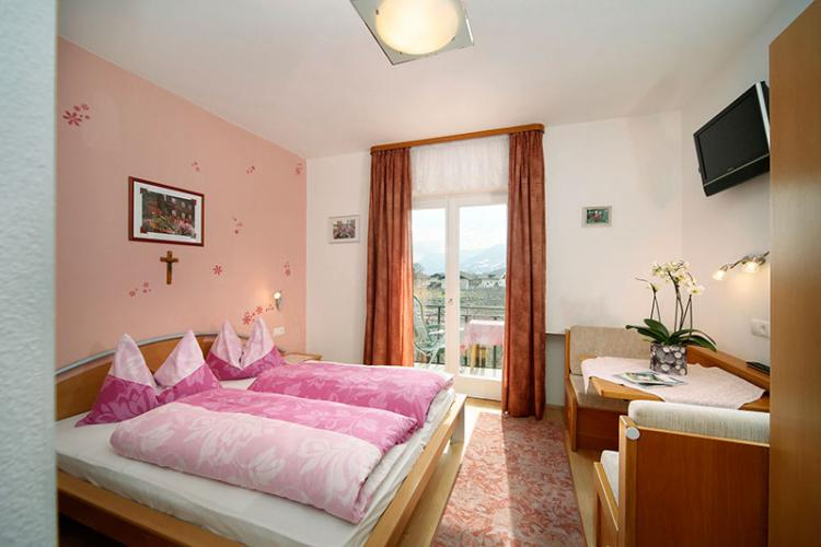 Pink double room with south balcony